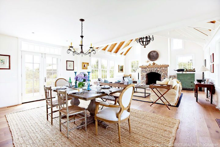 1553969421 502 new england glamour with mediterranean flair - New England Glamour With Mediterranean Flair