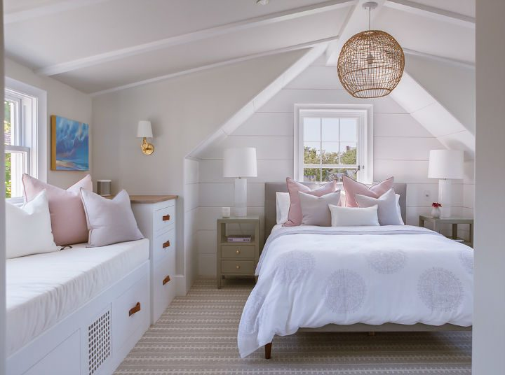 1553969421 512 new england glamour with mediterranean flair - New England Glamour With Mediterranean Flair