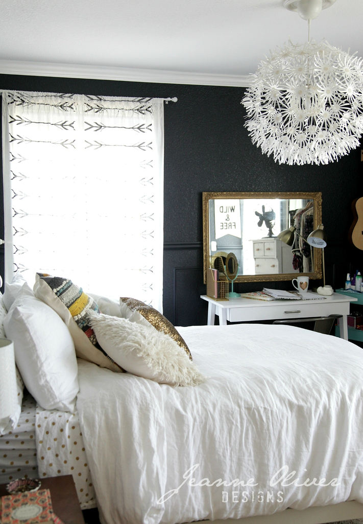 Amazing Teen Girl's Bedroom Makeover 8