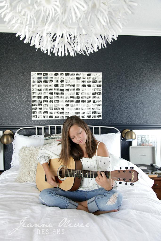 Amazing Teen Girl's Bedroom Makeover 5