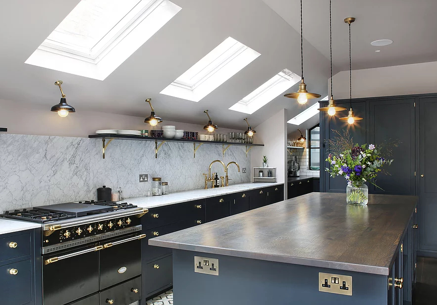 1553970809 340 amazing kitchen design with touches of gold - Amazing Kitchen Design With Touches Of Gold