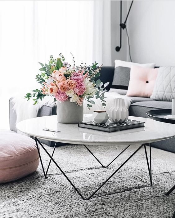 flowers-living room coffee table decoration