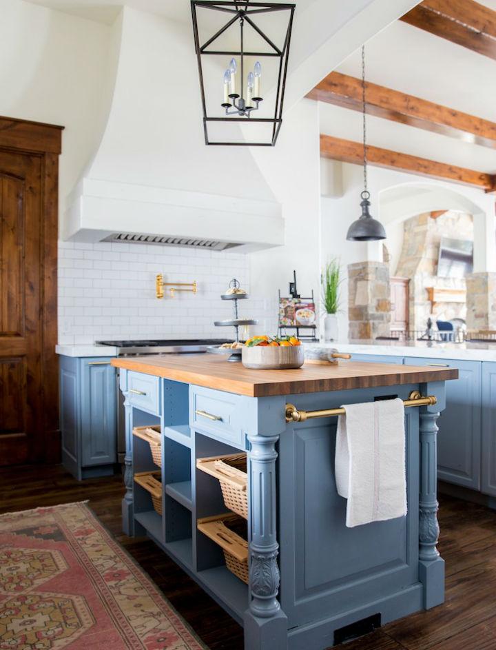 Clean and Elegant Kitchen Design