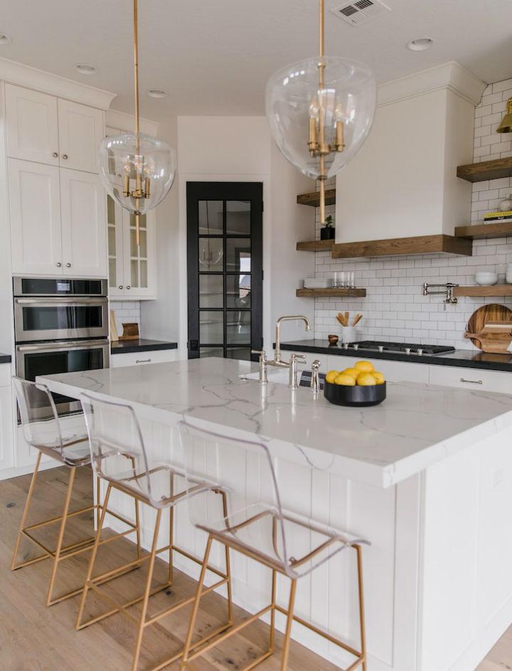 Clean and Elegant Kitchen Design 7