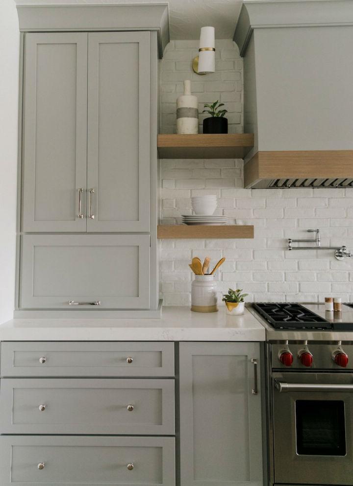 Clean and Elegant Kitchen Design 15