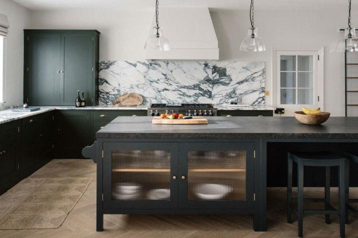 1553972156 195 traditional english kitchen designs - Traditional English Kitchen Designs
