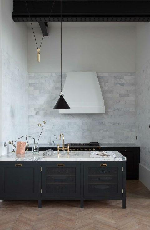 1553972156 426 traditional english kitchen designs - Traditional English Kitchen Designs