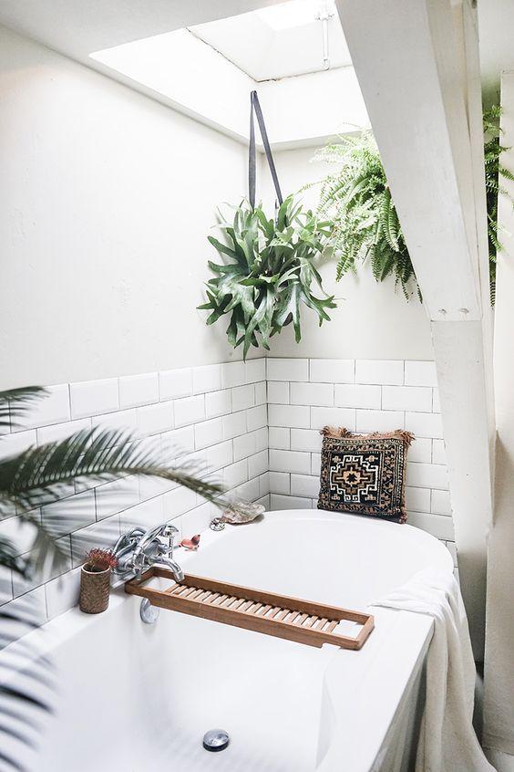 1553973207 286 20 bohemian bathroom ideas - 20 Bohemian Bathroom Ideas