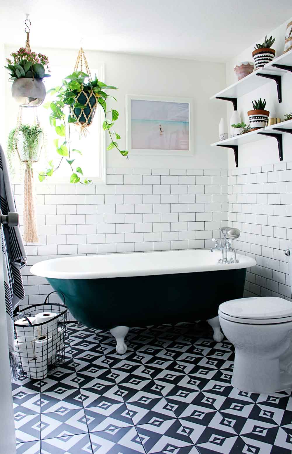 1553973207 590 20 bohemian bathroom ideas - 20 Bohemian Bathroom Ideas