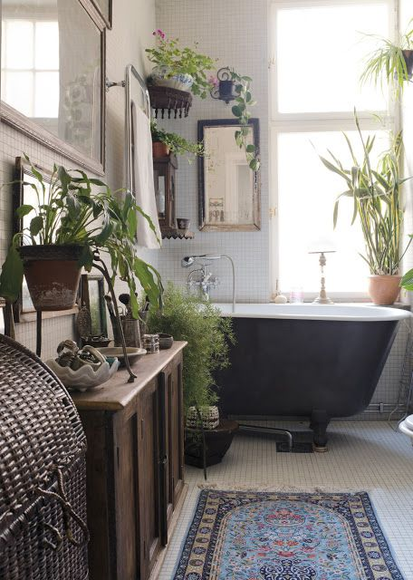 1553973207 607 20 bohemian bathroom ideas - 20 Bohemian Bathroom Ideas