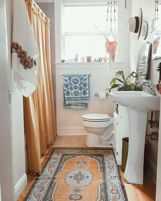 1553973207 836 20 bohemian bathroom ideas - 20 Bohemian Bathroom Ideas