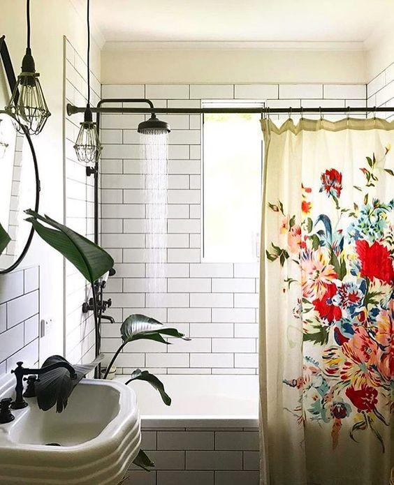 1553973207 986 20 bohemian bathroom ideas - 20 Bohemian Bathroom Ideas