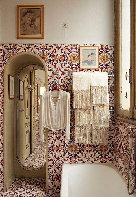 1553973208 898 20 bohemian bathroom ideas - 20 Bohemian Bathroom Ideas