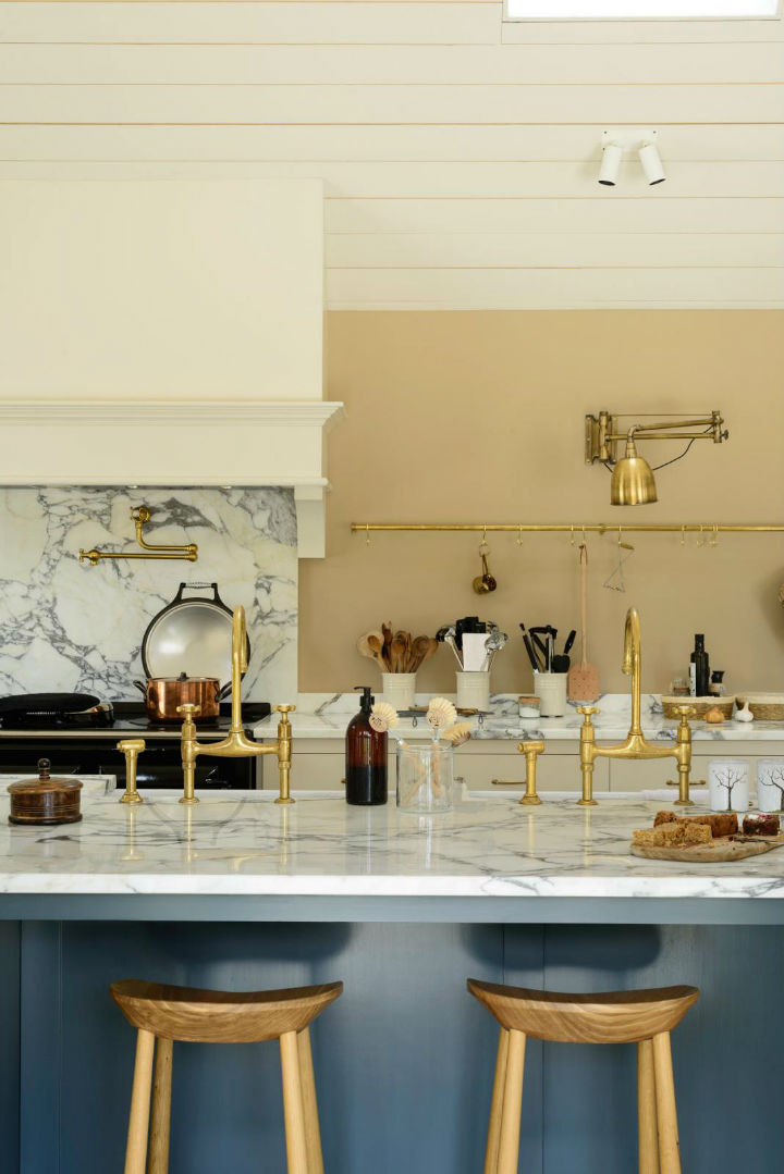 Classic English Kitchen Designs 6