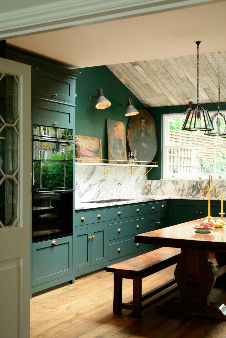 Classic English Kitchen Designs 13