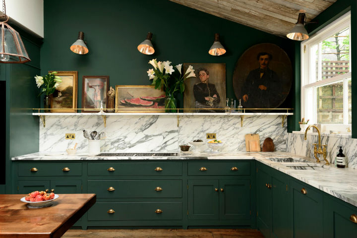 Classic English Kitchen Designs 12