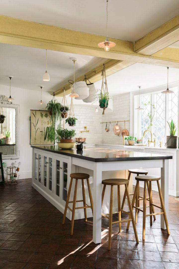 Classic English Kitchen Designs 1418