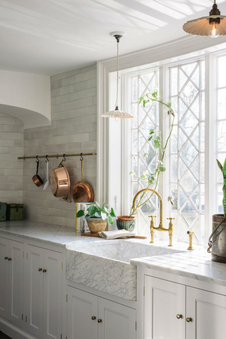 Classic English Kitchen Designs 1421