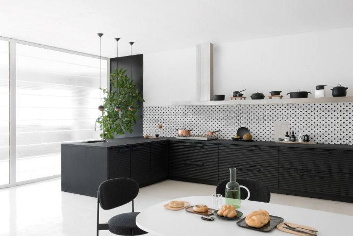 1553974310 257 stylish italian kitchen designs - Stylish Italian Kitchen Designs