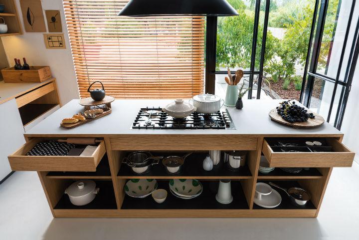 1553974310 93 stylish italian kitchen designs - Stylish Italian Kitchen Designs