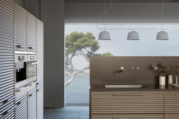 1553974311 42 stylish italian kitchen designs - Stylish Italian Kitchen Designs