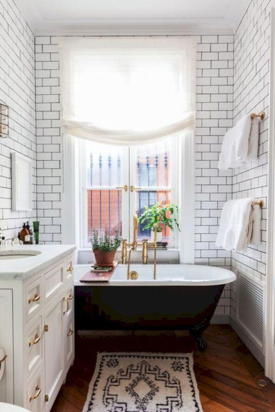 50 bathroom ideas with gold touches - 50 Bathroom Ideas With Gold Touches