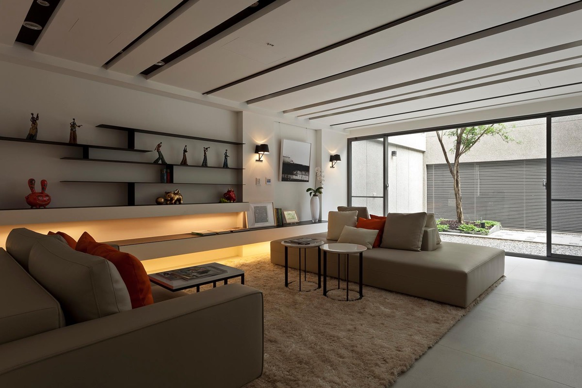 Beautiful Simple Living Room With Orange Accents And Asian Inspiration Minimalist - 53 Cool Living Rooms With Irresistible Modern Appeal