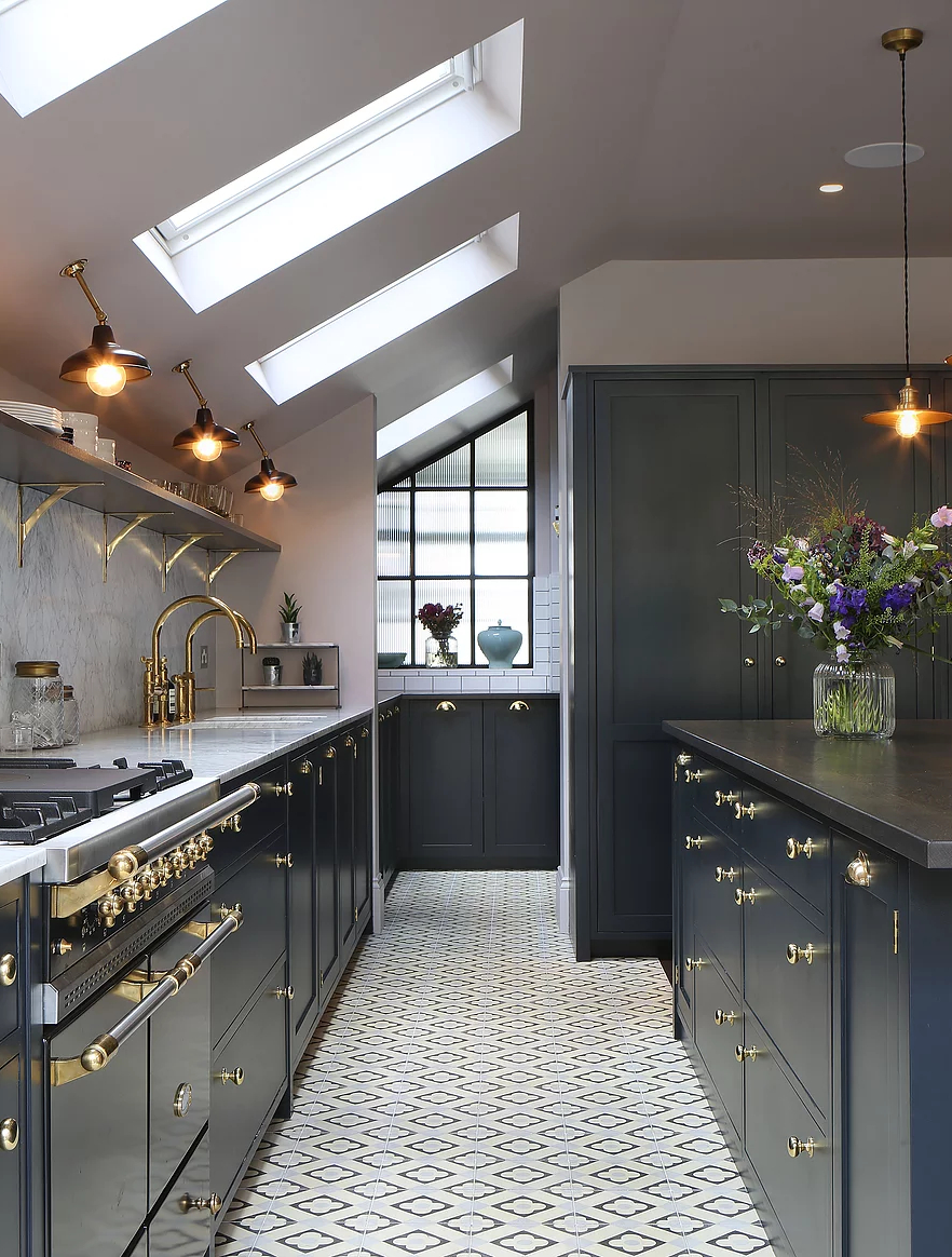 amazing kitchen design with touches of gold - Amazing Kitchen Design With Touches Of Gold