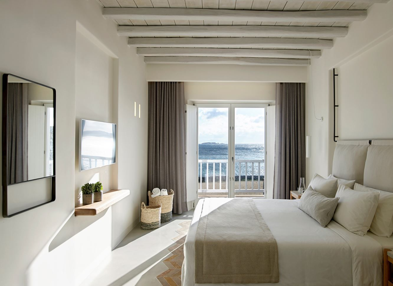 1556710909 282 make your windows the star of the room with these bedroom curtain ideas - Make your Windows the Star of the Room With These Bedroom Curtain Ideas