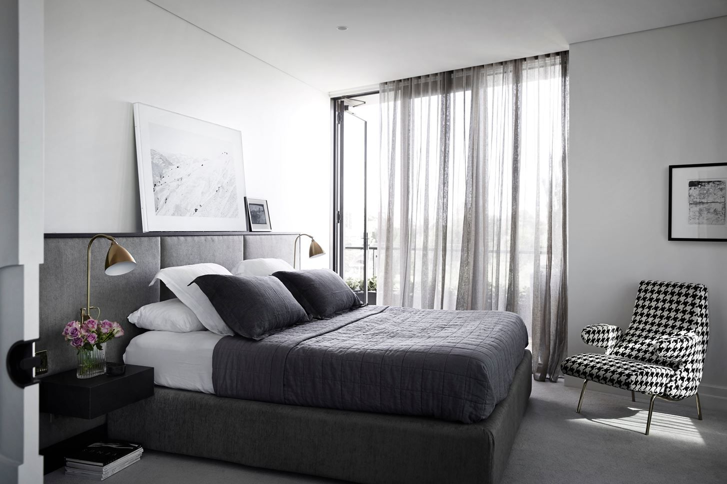 1556710909 509 make your windows the star of the room with these bedroom curtain ideas - Make your Windows the Star of the Room With These Bedroom Curtain Ideas