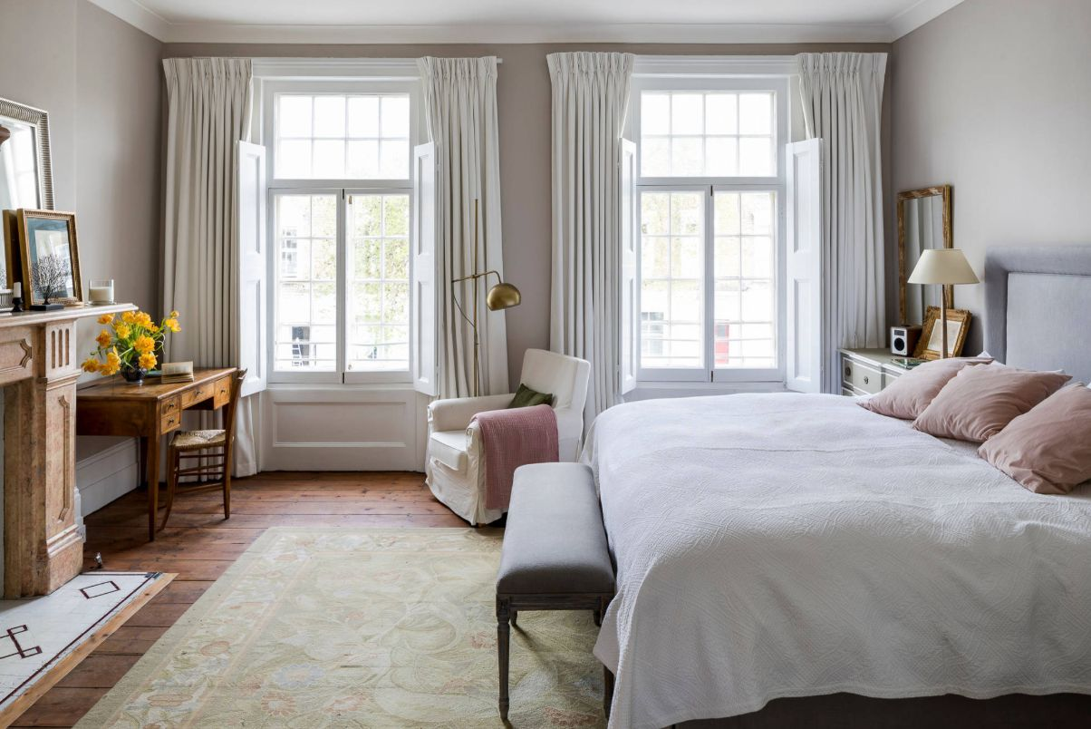 1556710909 606 make your windows the star of the room with these bedroom curtain ideas - Make your Windows the Star of the Room With These Bedroom Curtain Ideas