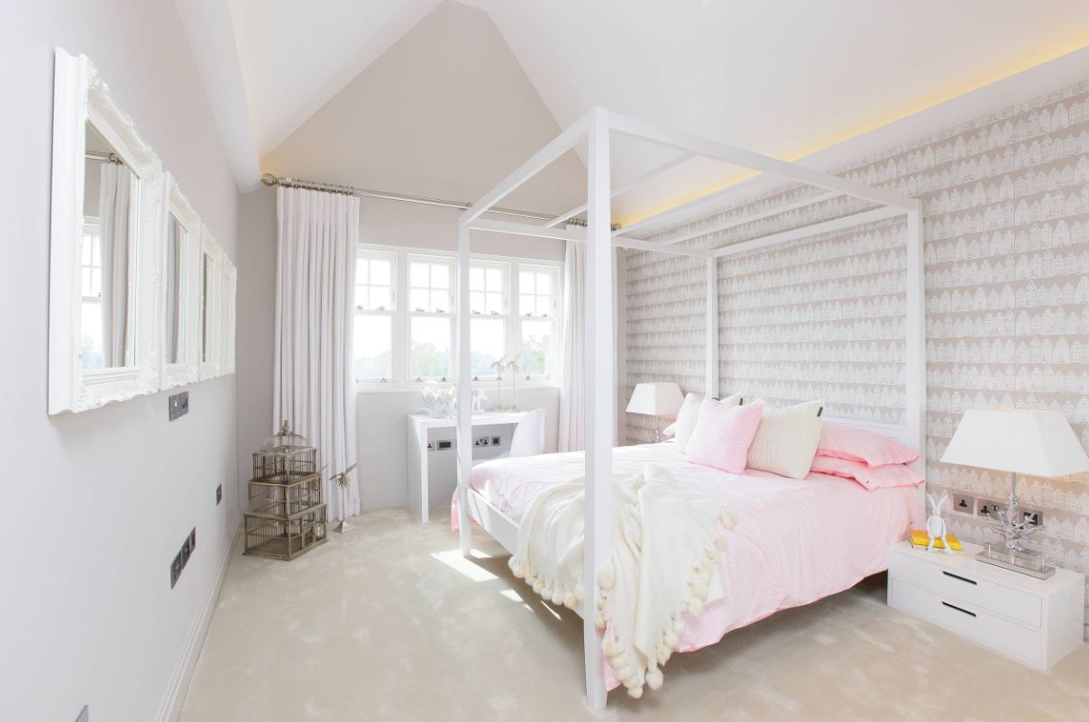 1556710909 924 make your windows the star of the room with these bedroom curtain ideas - Make your Windows the Star of the Room With These Bedroom Curtain Ideas