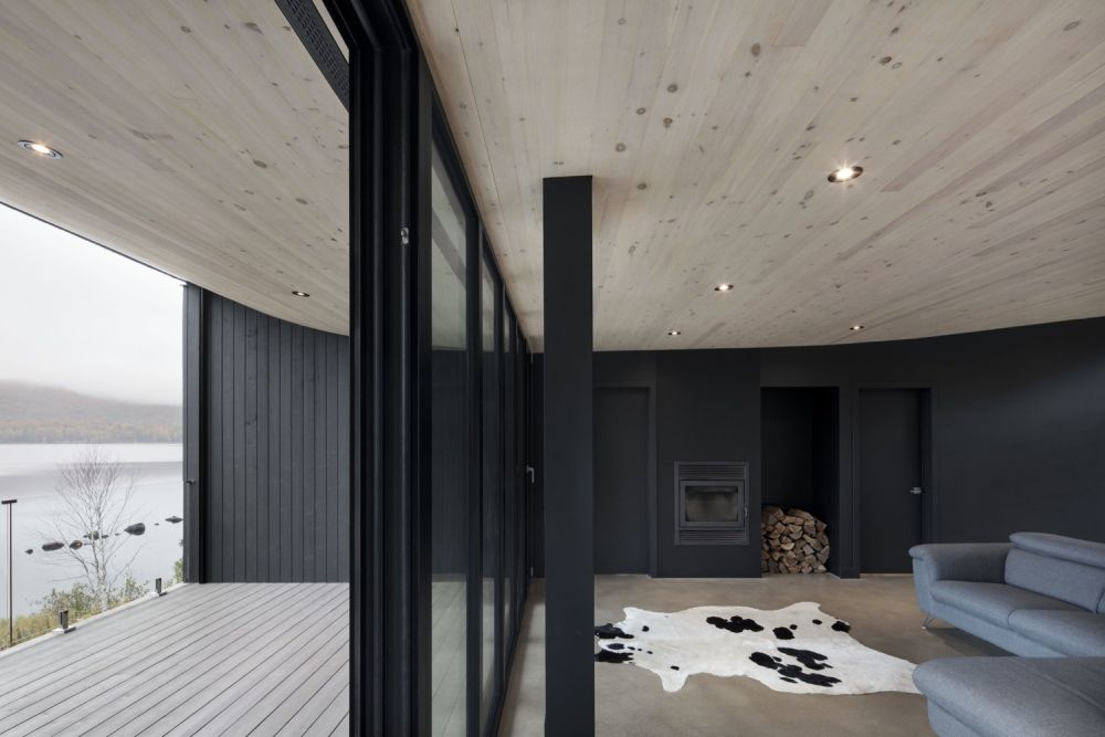 1556785098 448 houses with black cladding that are in harmony with their surroundings - Houses With Black Cladding That Are in Harmony With their Surroundings