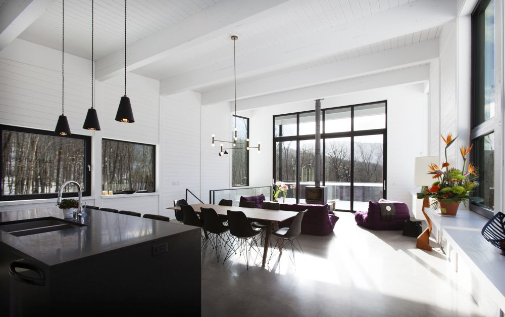 1556785098 8 houses with black cladding that are in harmony with their surroundings - Houses With Black Cladding That Are in Harmony With their Surroundings