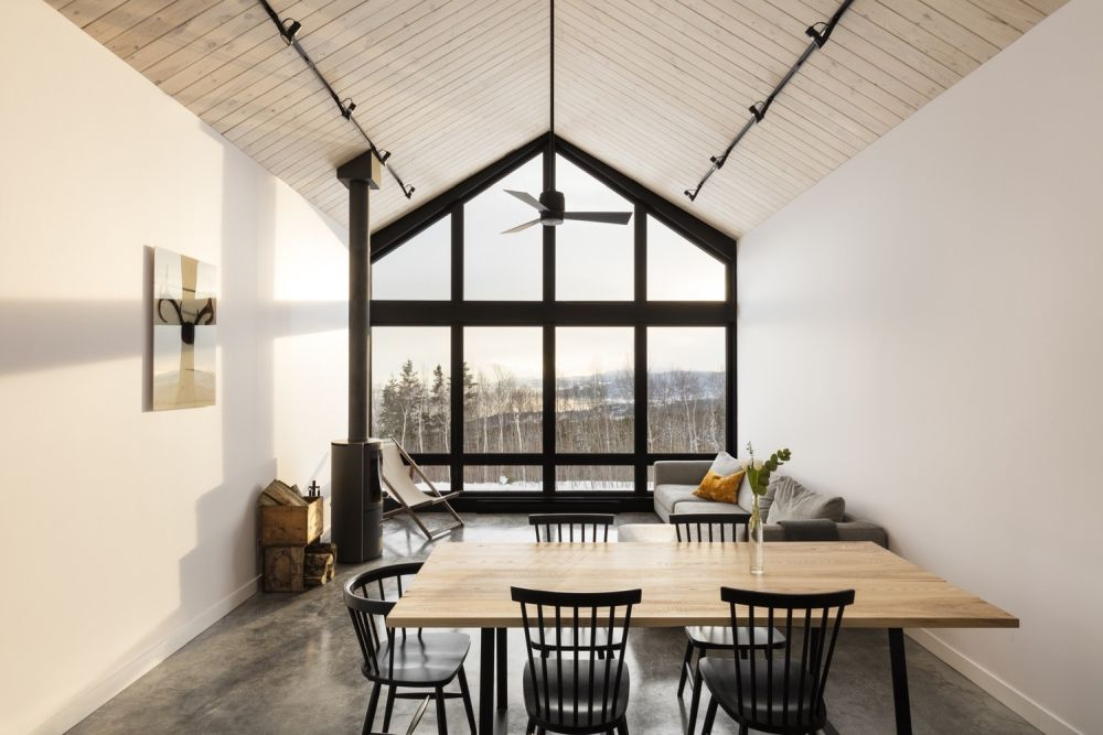 1556785098 945 houses with black cladding that are in harmony with their surroundings - Houses With Black Cladding That Are in Harmony With their Surroundings