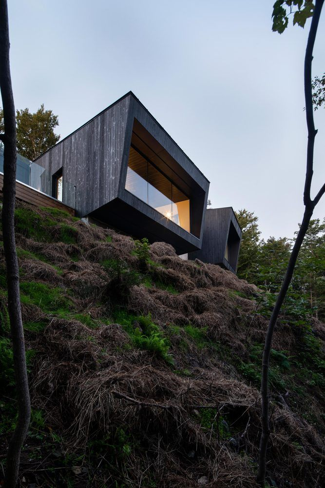 1556785098 99 houses with black cladding that are in harmony with their surroundings - Houses With Black Cladding That Are in Harmony With their Surroundings