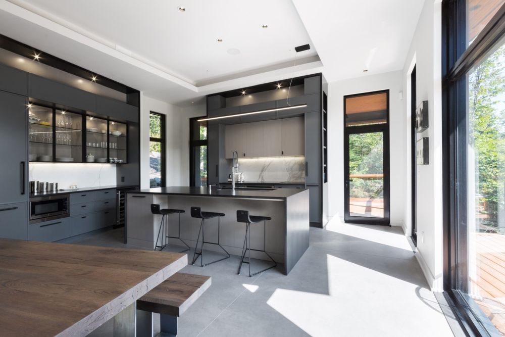 1556785099 102 houses with black cladding that are in harmony with their surroundings - Houses With Black Cladding That Are in Harmony With their Surroundings