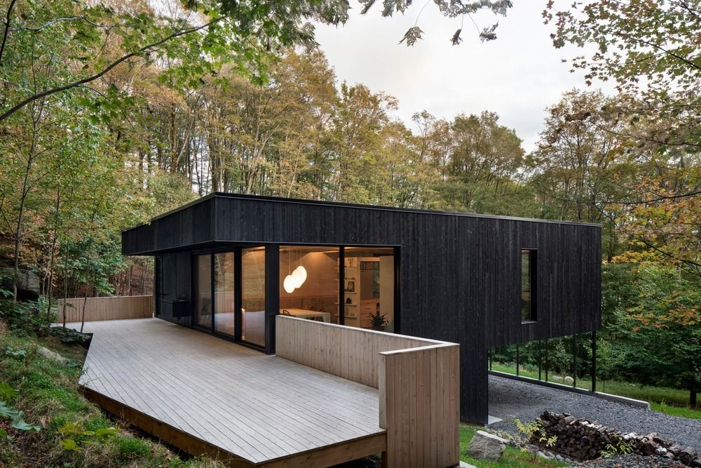 1556785099 808 houses with black cladding that are in harmony with their surroundings - Houses With Black Cladding That Are in Harmony With their Surroundings