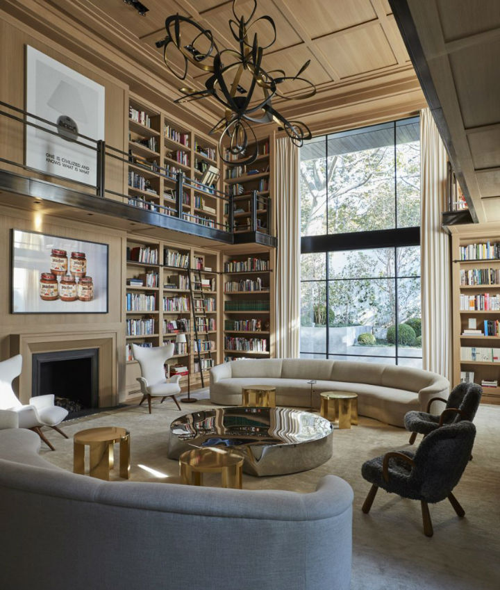 Between Contemporary and Classical Interiors