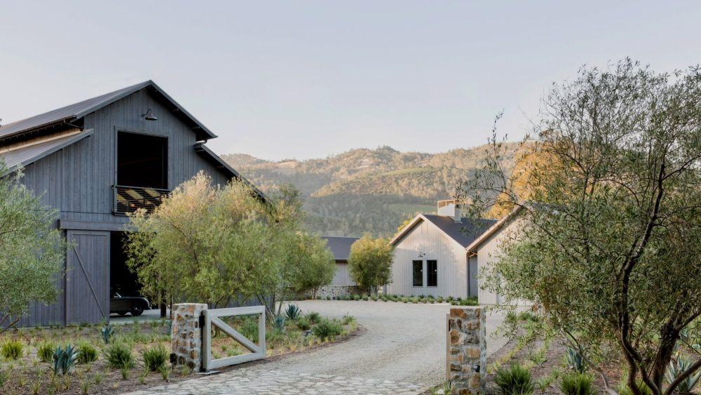 1557991881 360 modern california residence with farmhouse inspired details - Modern California Residence With Farmhouse-Inspired Details