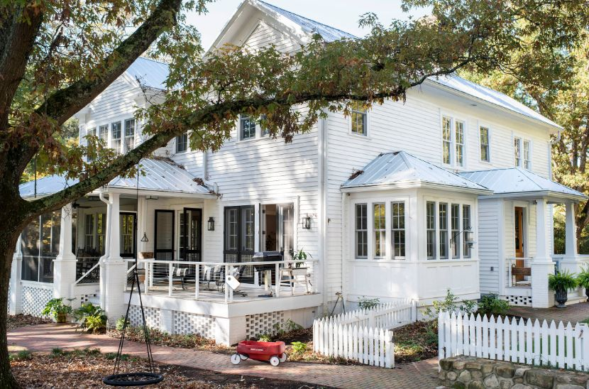 1558429821 912 beyond the white picket fence designs and styles to consider - Beyond The White Picket Fence – Designs And Styles To Consider