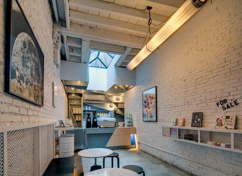 1558620841 643 eye catching coffee shop design ideas that draw people in - Eye-Catching Coffee Shop Design Ideas That Draw People In