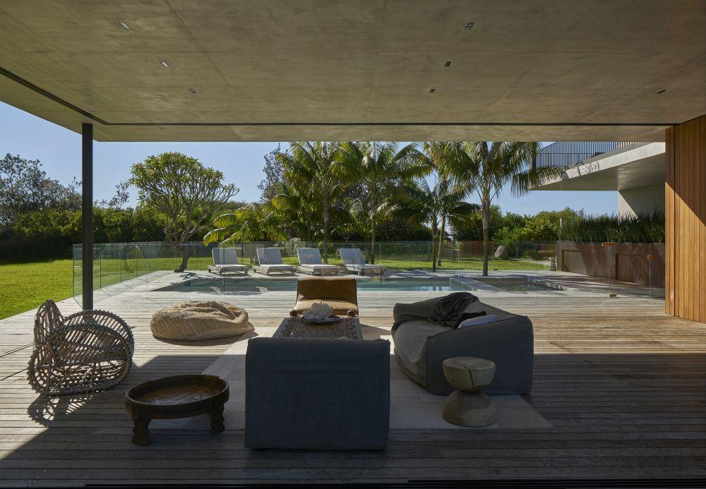 1558698437 170 create a beautiful backyard that makes relaxing stylish and comfortable - Create a Beautiful Backyard That Makes Relaxing Stylish and Comfortable