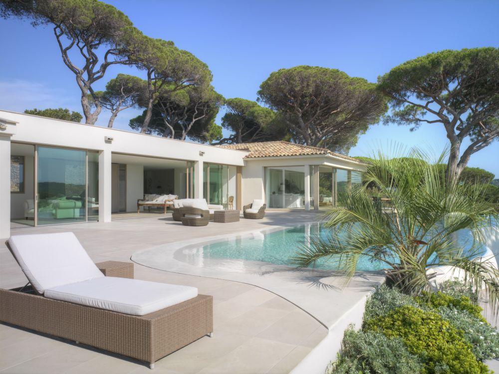 1558698437 326 create a beautiful backyard that makes relaxing stylish and comfortable - Create a Beautiful Backyard That Makes Relaxing Stylish and Comfortable