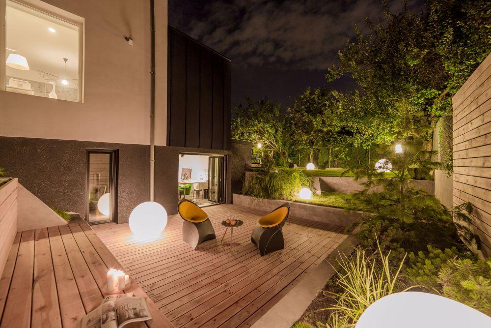 1558698437 400 create a beautiful backyard that makes relaxing stylish and comfortable - Create a Beautiful Backyard That Makes Relaxing Stylish and Comfortable