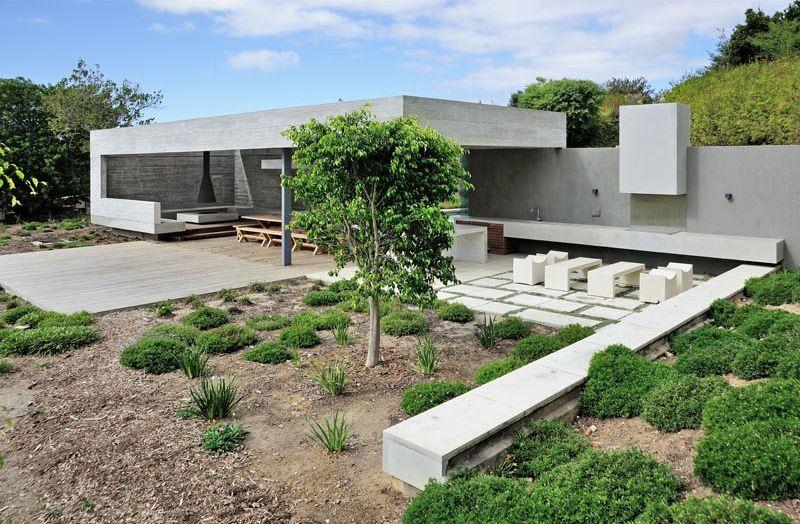 1558698437 855 create a beautiful backyard that makes relaxing stylish and comfortable - Create a Beautiful Backyard That Makes Relaxing Stylish and Comfortable