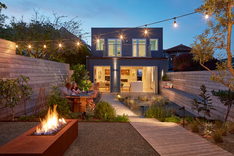 1558698438 287 create a beautiful backyard that makes relaxing stylish and comfortable - Create a Beautiful Backyard That Makes Relaxing Stylish and Comfortable