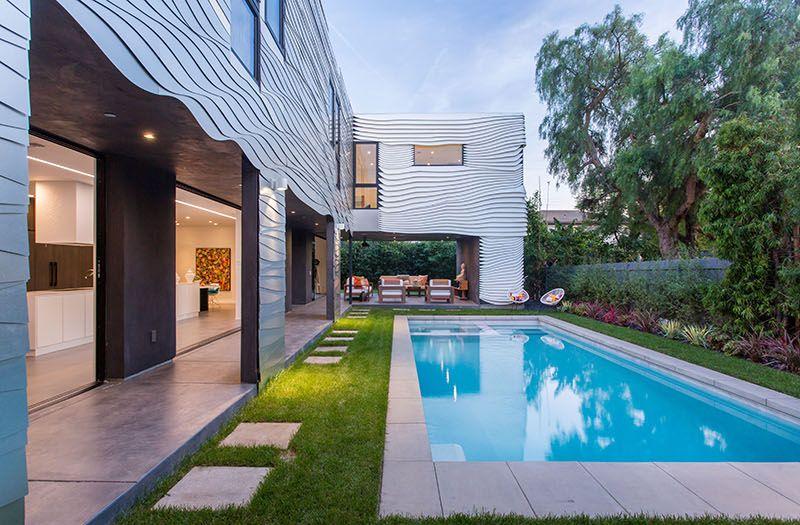 1558698438 505 create a beautiful backyard that makes relaxing stylish and comfortable - Create a Beautiful Backyard That Makes Relaxing Stylish and Comfortable