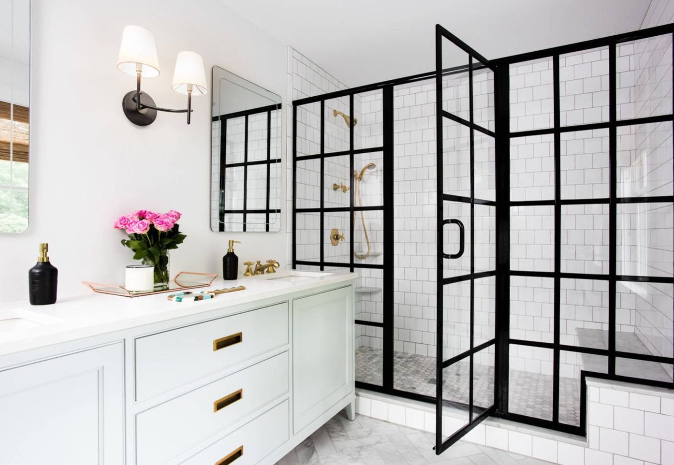 1558953966 311 black and white bathroom designs that show simple can also be interesting - Black and White Bathroom Designs That Show Simple Can Also Be Interesting