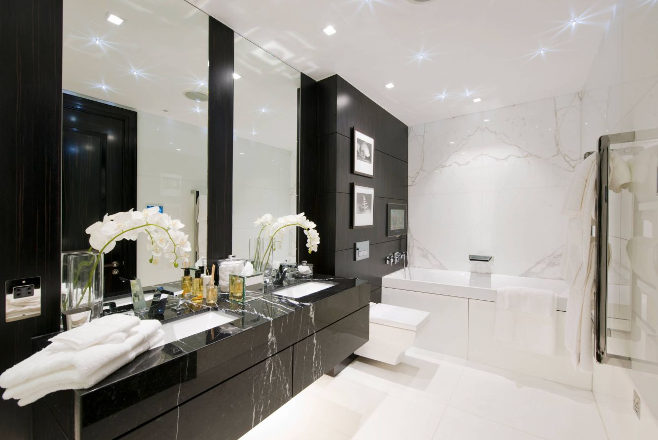 1558953967 568 black and white bathroom designs that show simple can also be interesting - Black and White Bathroom Designs That Show Simple Can Also Be Interesting